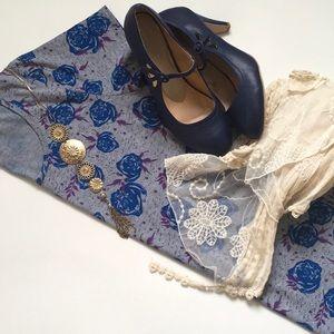 LuLaRoe Classic Blue Rose on Grey Classic T